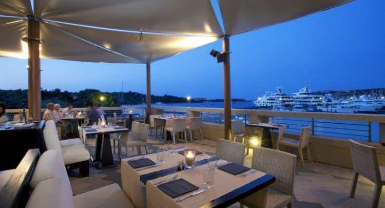 Aqua-Lounge-750x405