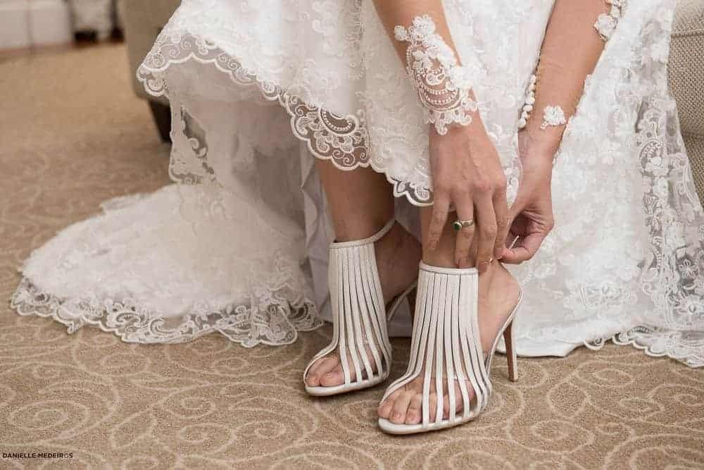 Casa-Julieta-de-Serpa-Casal-maduro-Casamento-classico-Cris-e-Sergio-Eugenia-Guerrera-Fotografia-Danielle-Medeiros-Jaqueline-Barreto-RJ-sapato-Casamento28