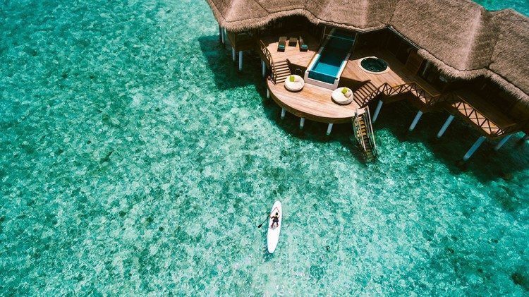 Hi_PHUV_68730301_PHUV_Ocean_Pavilion_Paddle_Board_02_G_A_L-750x421