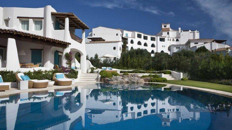 hotel-romazzino-1-750x422