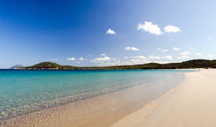 spiaggia_liscia_rujia-750x441