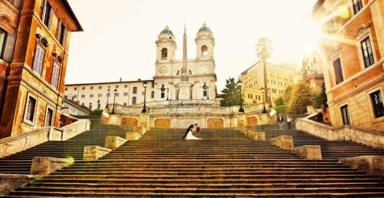 Wedding_photo_on_the_Spanish_steps_in_Rome-750x388