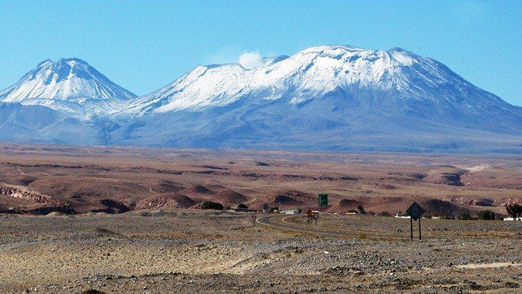 Vulcão-Lascar-750x422