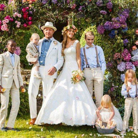 celebrity-weddings-2015-guy-ritchie-jacqui-ainsley-475x475