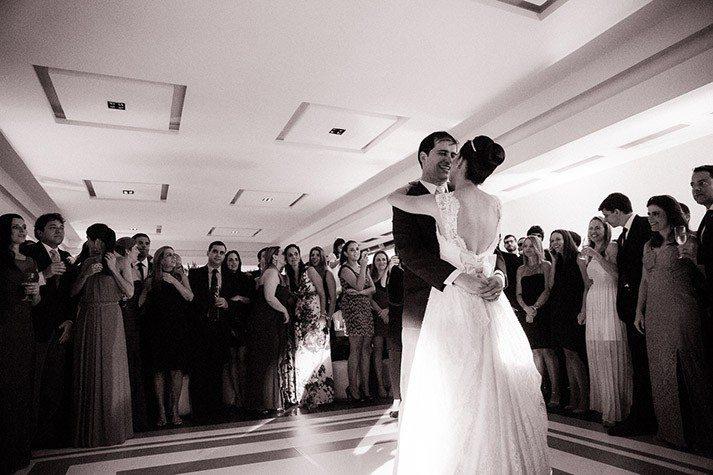 noivos-casamento-real-caseme-713x475
