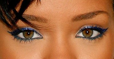 0616-rihanna-blue-makeup_bd-2