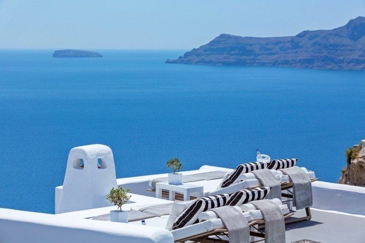 Canaves-Oia-Hotel-713x475