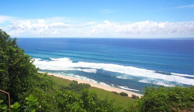 Nyang-Nyang-beach-2