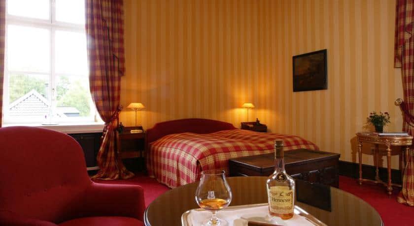 Schlosshotel-Hugenpoet-1