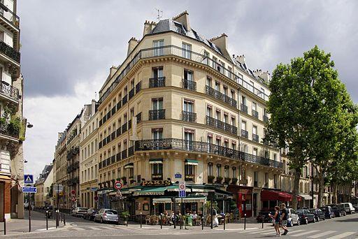 Boulevard_Saint-Germain._July_24_2010