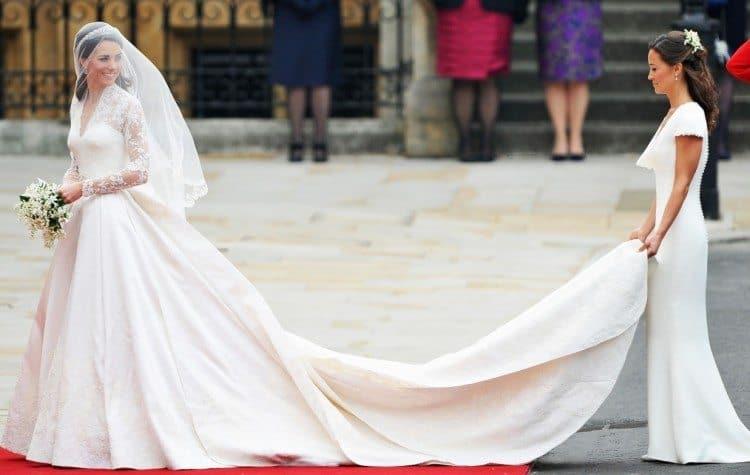 Catherine-Middletons-wedding-dress-2-750x475