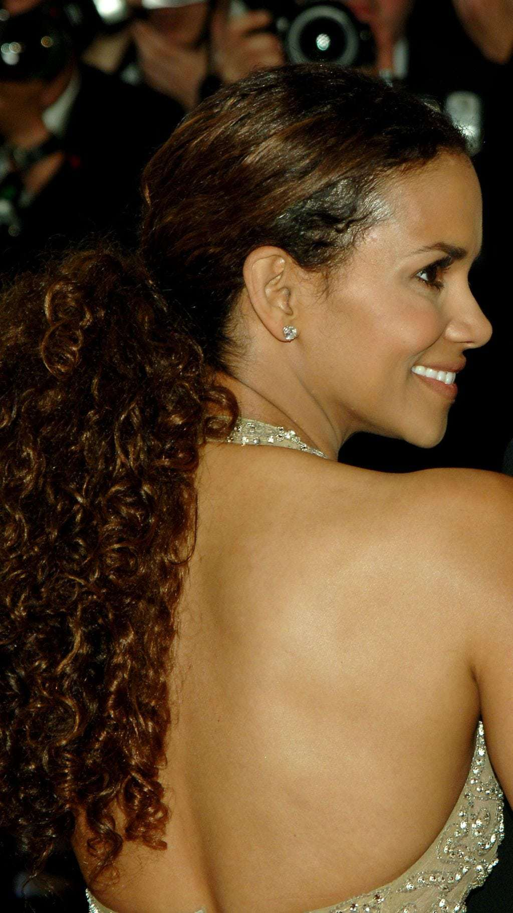 Halle-Berry-in-2006
