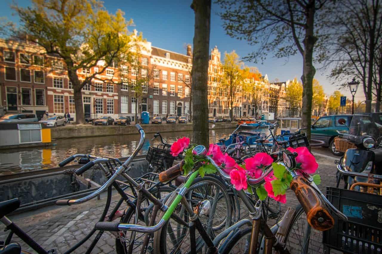 amsterdam-1089647_1280