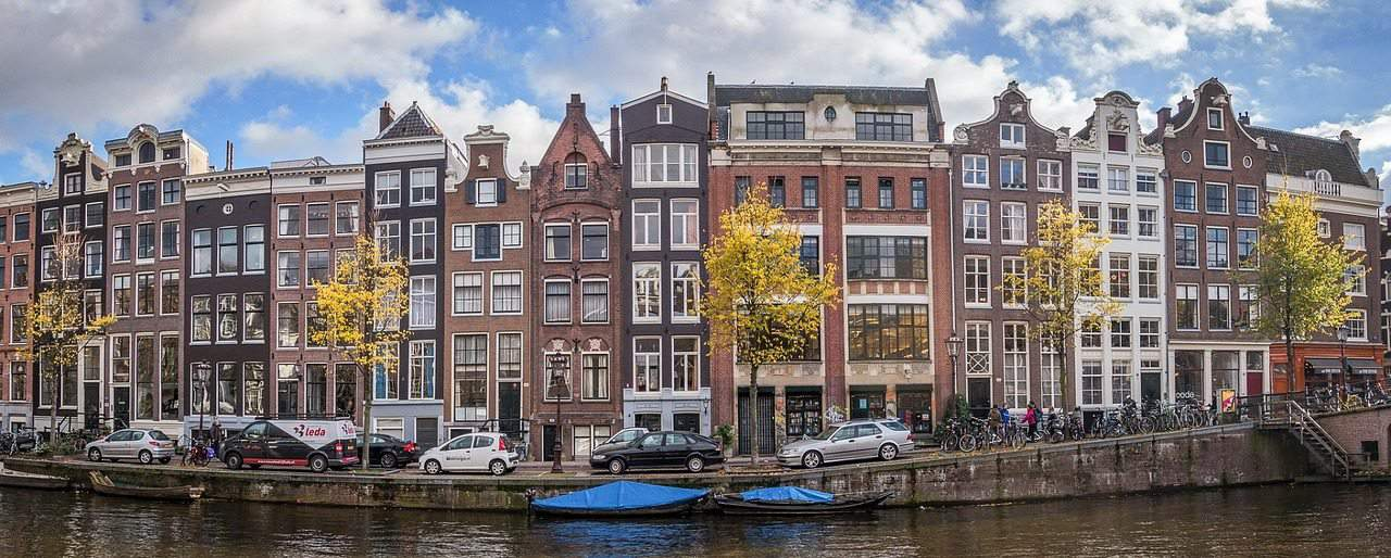 amsterdam-1244789_1280