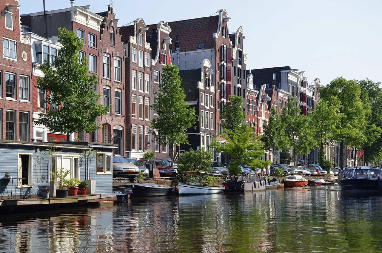 amsterdam-988040_1280