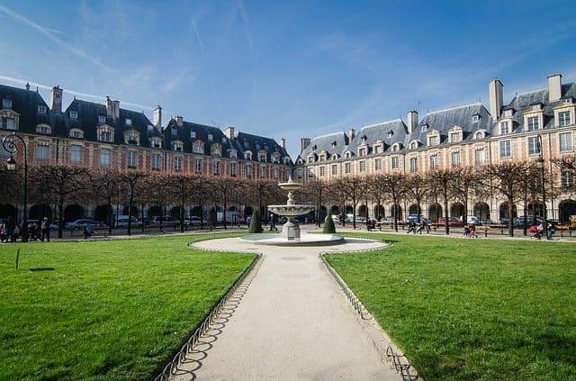 paris-850898_640