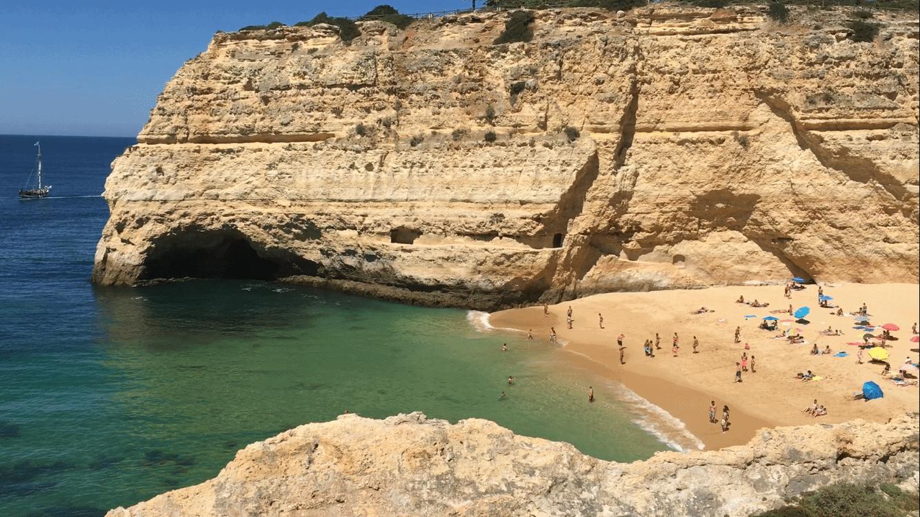 Praia-do-Carvalho