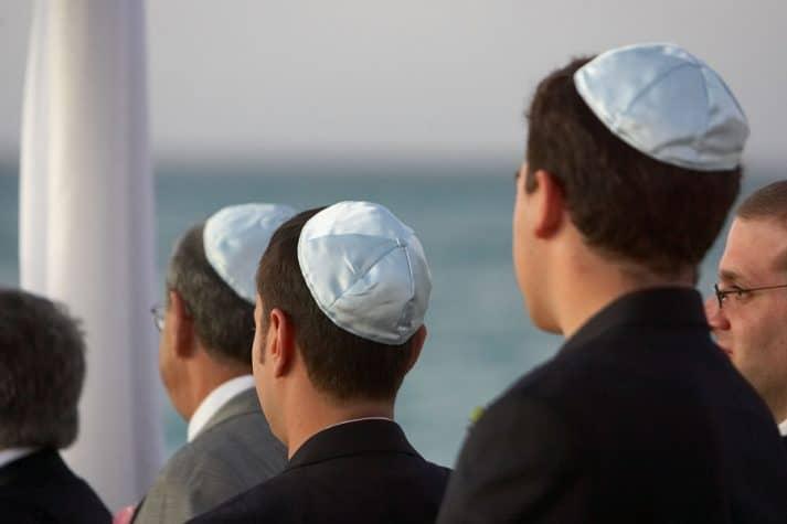 tradicoes-judaicas-nos-casamentos-713x475
