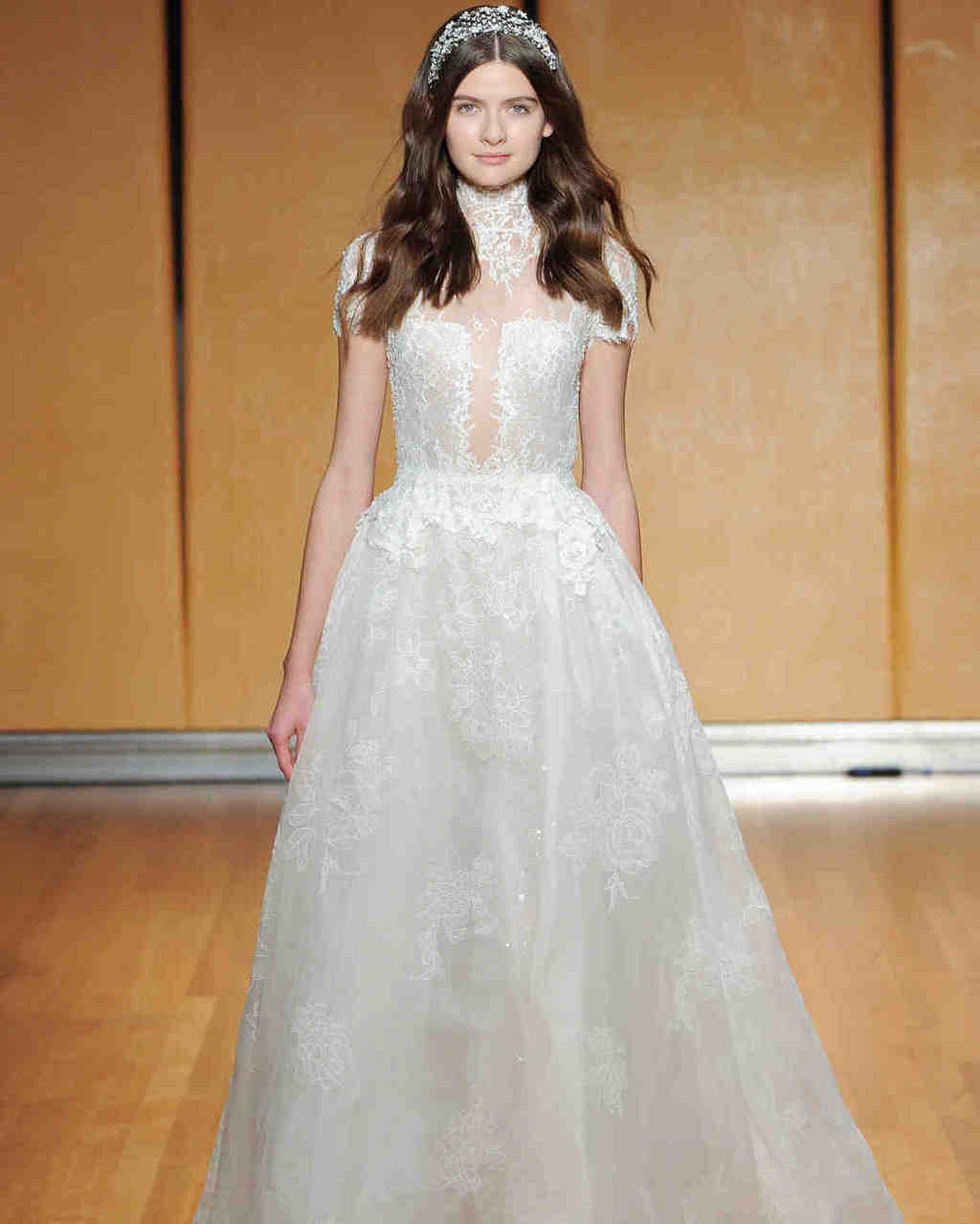 inbal-dror-wedding-dress-fall2017-6203351-003_vert