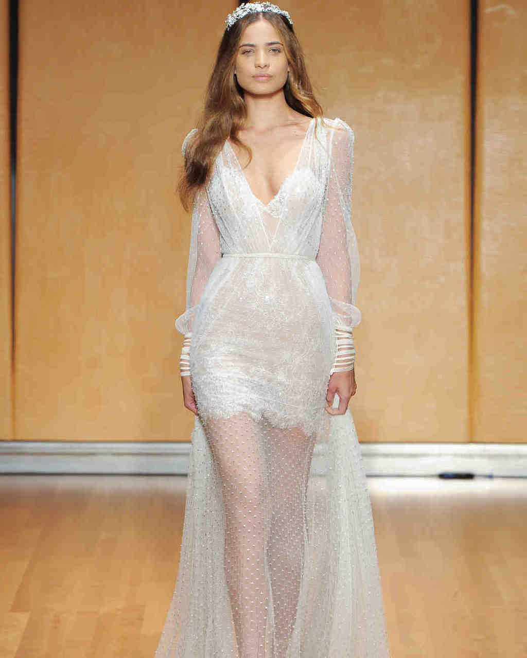 inbal-dror-wedding-dress-fall2017-6203351-016_vert