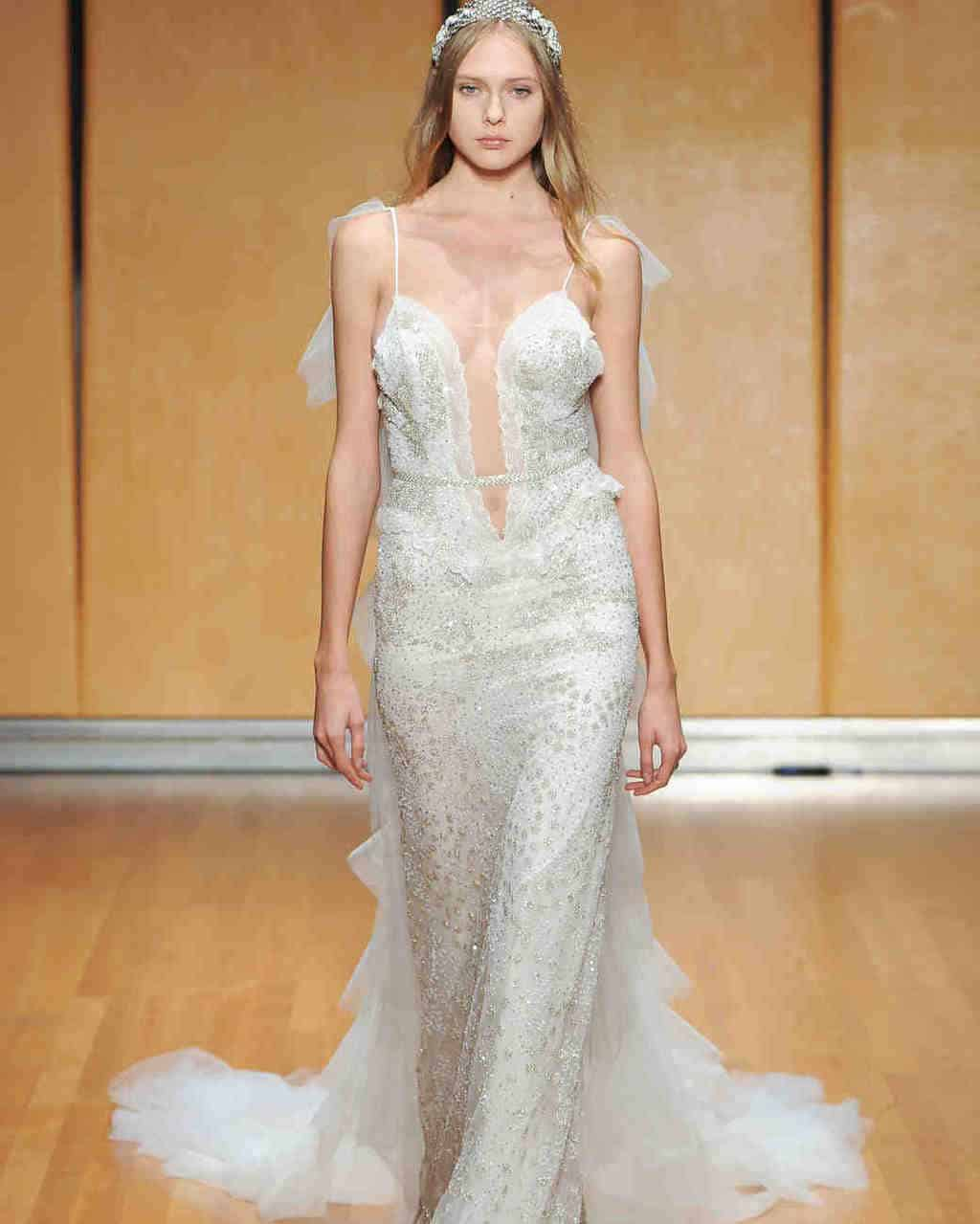 inbal-dror-wedding-dress-fall2017-6203351-018_vert