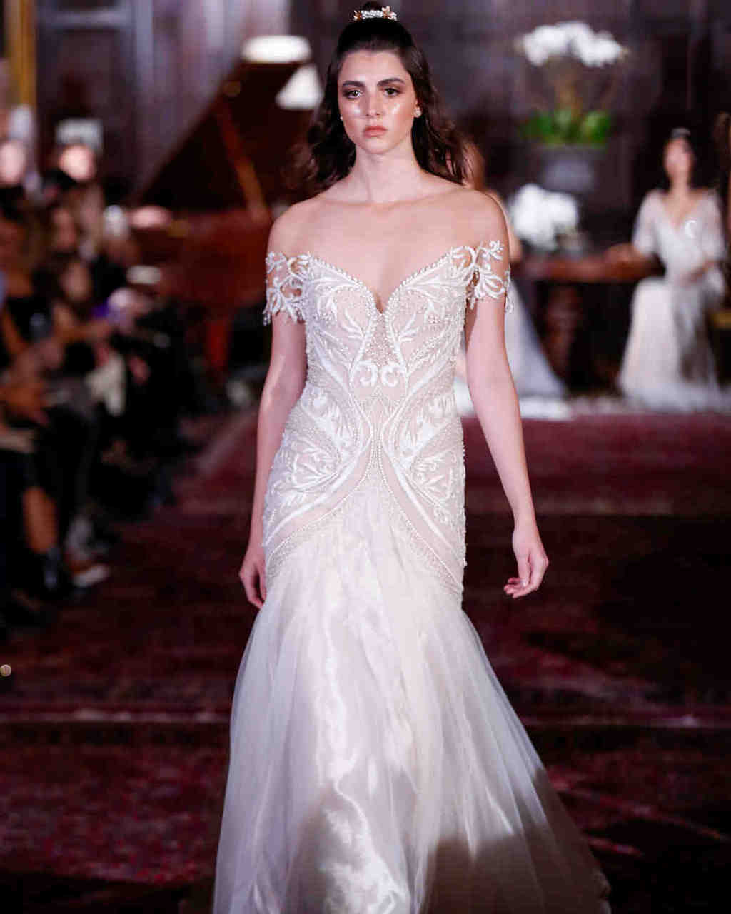 julie-vino-wedding-dress-fall2017-6203351-003_vert