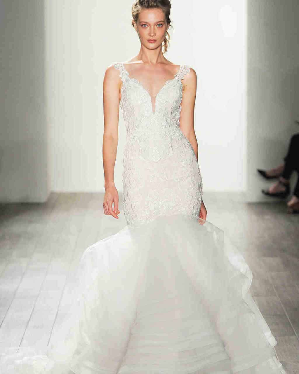 lazaro-wedding-dress-fall2017-6203351-016_vert