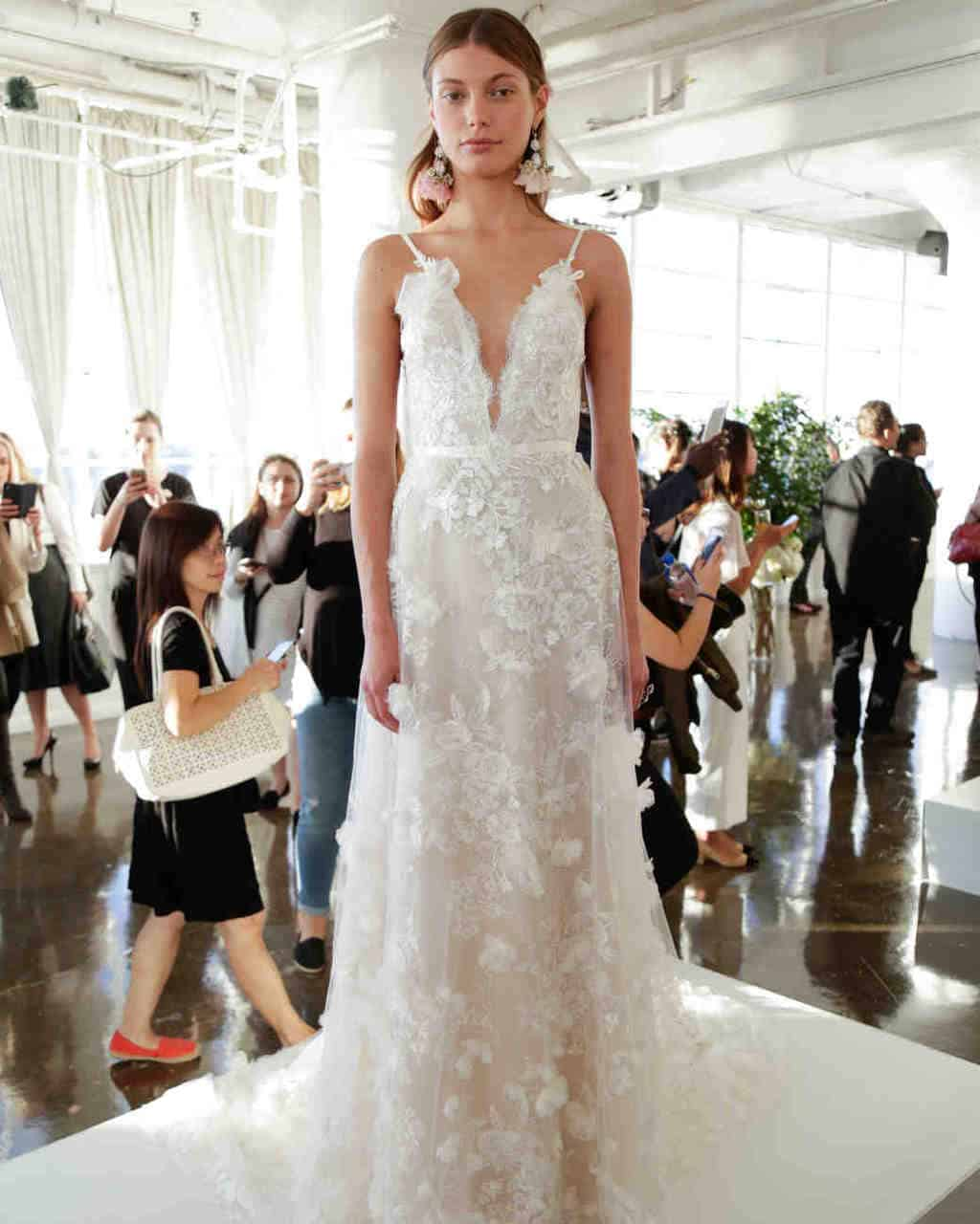 marchesa-wedding-dress-fall2017-6203351-011_vert