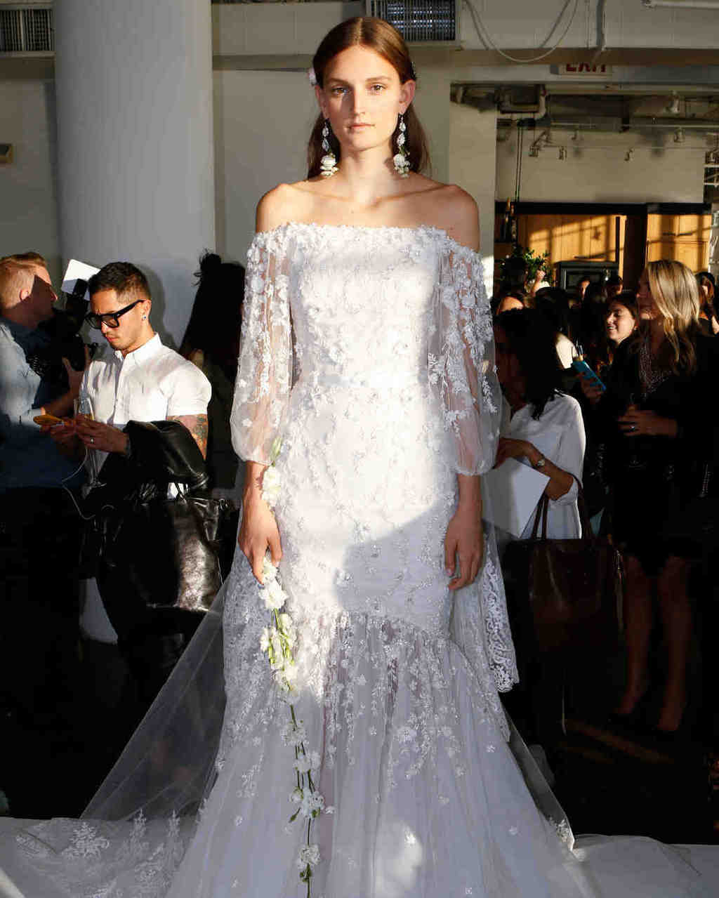 marchesa-wedding-dress-fall2017-6203351-012-new_vert