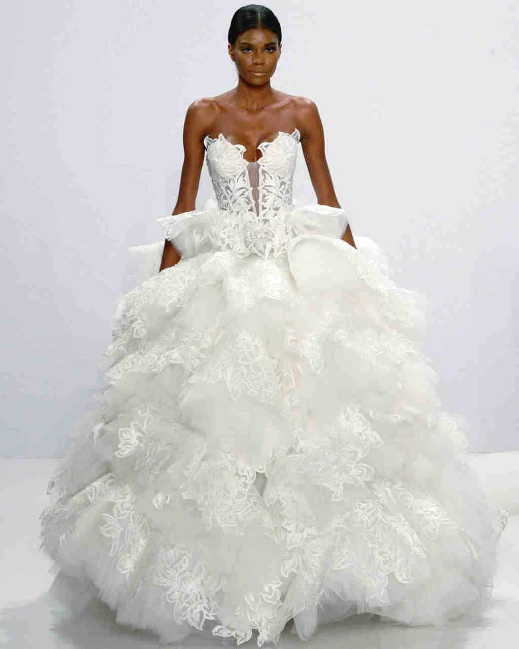 pnina-tornai-wedding-dress-fall2017-6203351-022_vert