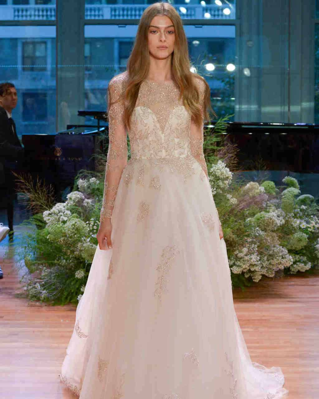 vestido-de-noiva-rose-quartz-Monique-Lhuillier-wedding-dress-fall2017-62033510-005_vert