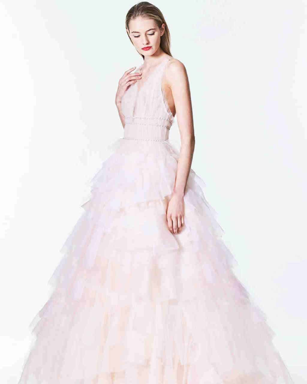 vestido-de-noiva-rose-quartz-carolina-herrera-wedding-dresses-fall-2017_006_vert