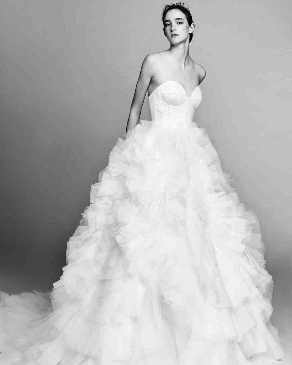 viktor-and-rolf-fall-2017-wedding-dress-010_vert