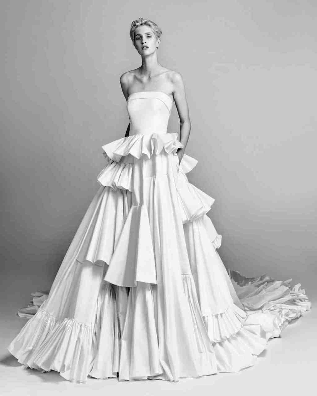 viktor-and-rolf-fall-2017-wedding-dress-017_vert