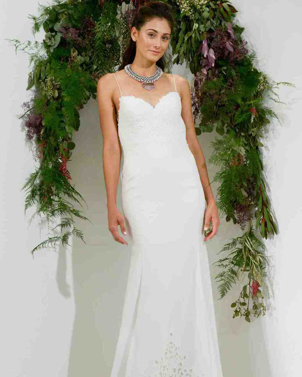 watters-wedding-dress-fall2017-6203351-024_vert