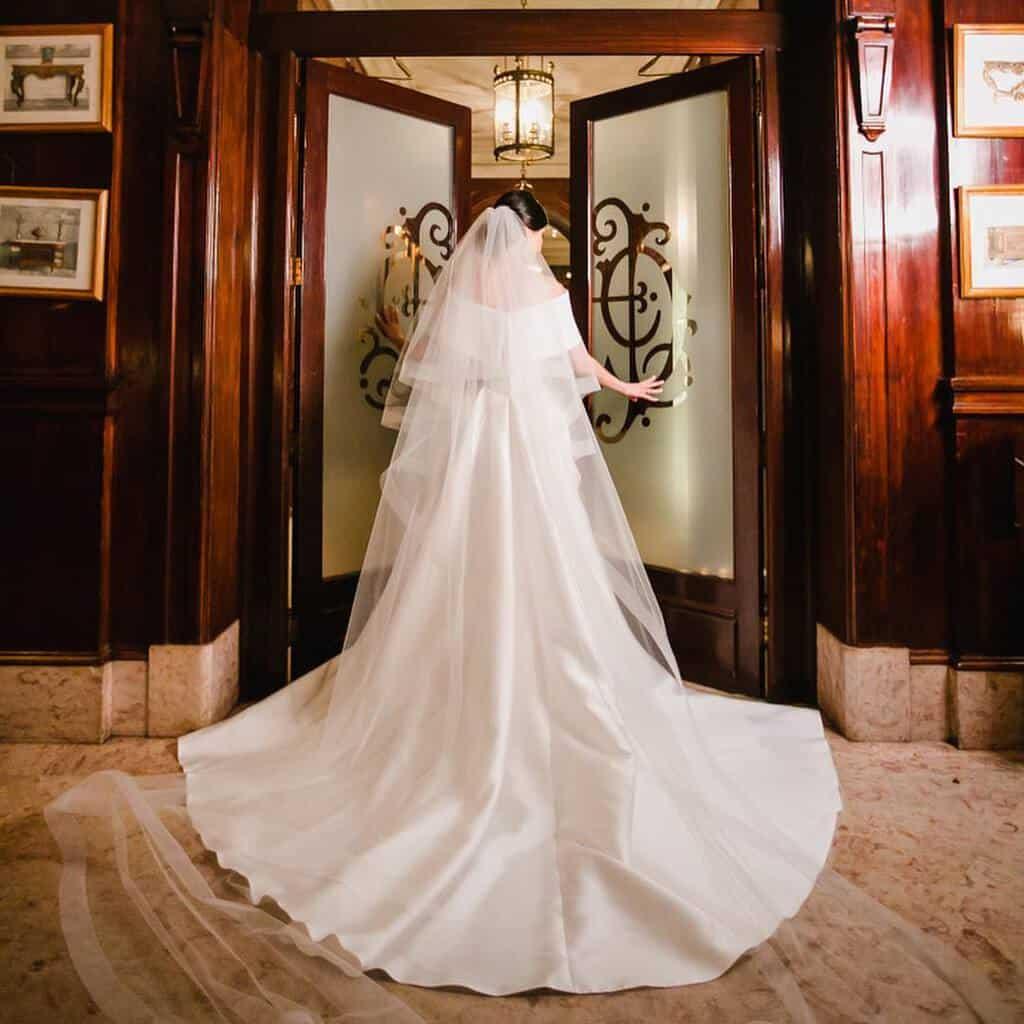 vestido-de-noiva-sem-renda-vestido-wanda-borges-noiva-heloisa-