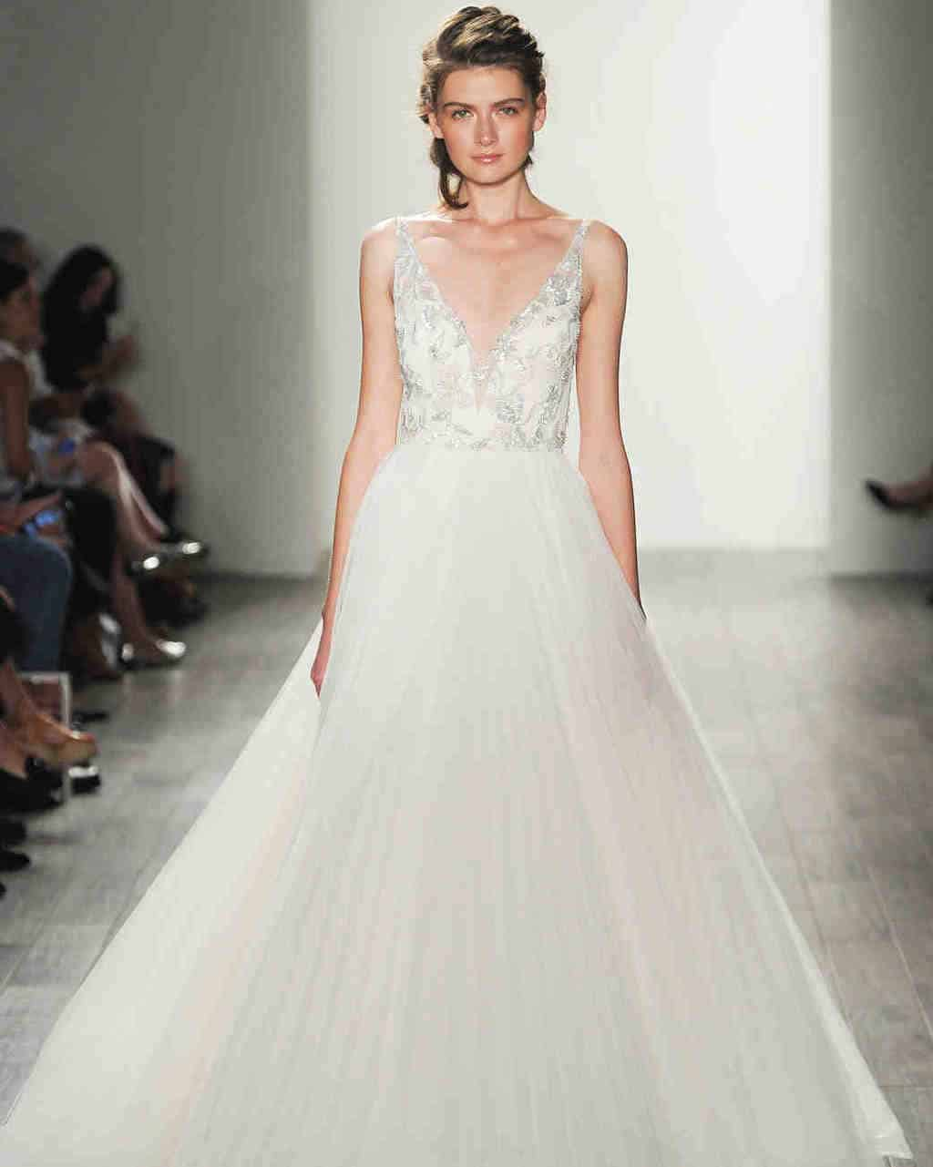 lazaro-wedding-dress-fall2017-6203351-005_vert