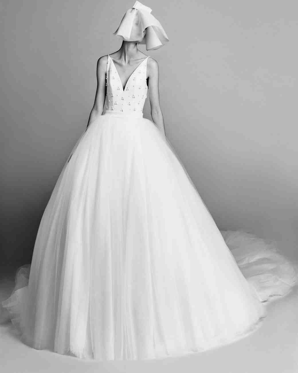 viktor-and-rolf-fall-2017-wedding-dress-019_vert