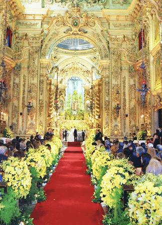 flores-na-decoracao-da-igreja-a-roseira-caseme-8