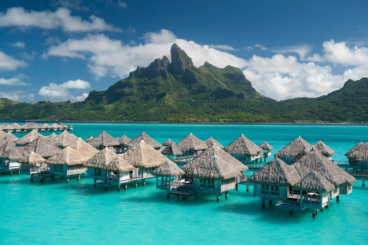 Hotel-St-Regis-Bora-Bora