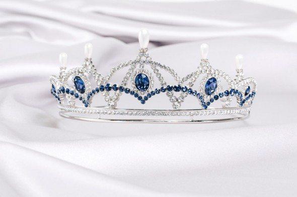 coroa-Karl-Lagerfeld-e-Swarovski