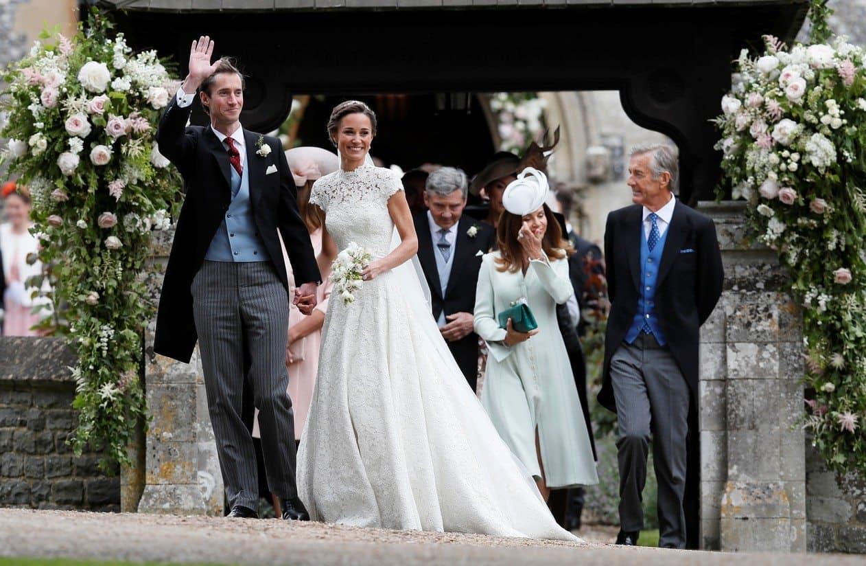 Pippa-e-Matthews-durante-o-casamento-Foto-Kirsty-Wigglesworth_Reuters-