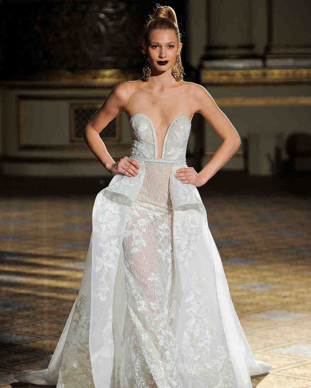 berta-wedding-dress-spring2018-6339053-026_vert