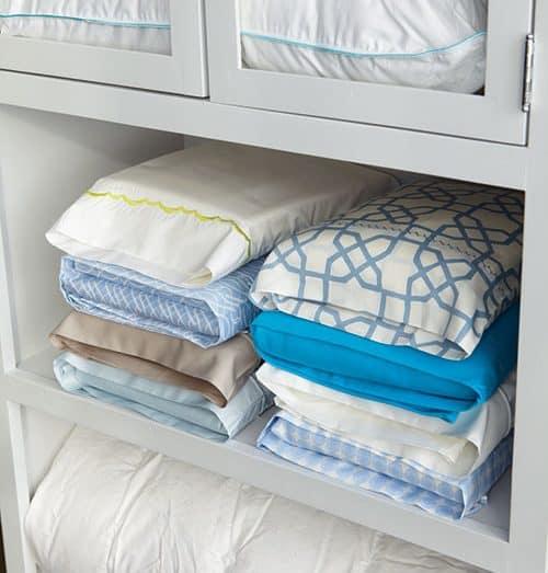 organizando-roupas-de-cama-e-banho-1-e1497202810562