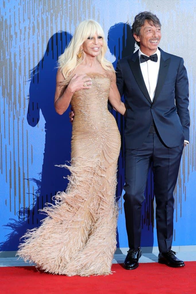 Donatella-Versace-de-Atelier-Versace-gettyimages-0