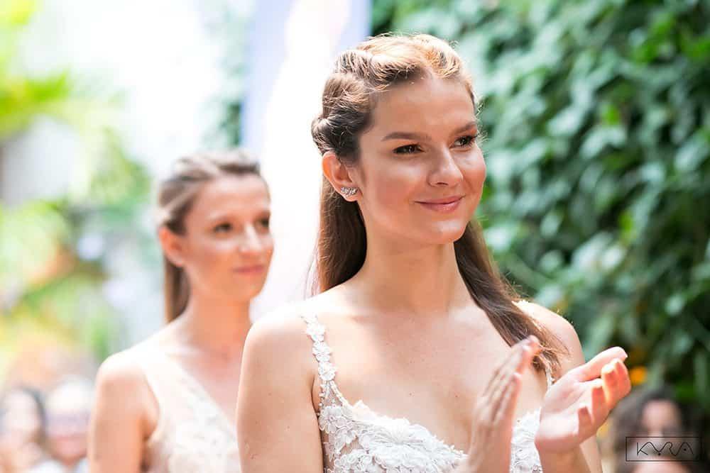 desfile-vestido-de-noiva-entardecer-julia-golldenzon-foto-kyra-mirsky-07