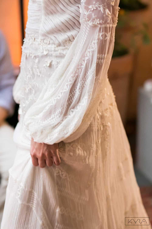desfile-vestido-de-noiva-entardecer-julia-golldenzon-foto-kyra-mirsky-103