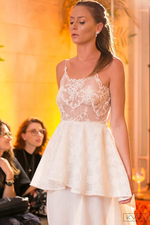 desfile-vestido-de-noiva-entardecer-julia-golldenzon-foto-kyra-mirsky-111