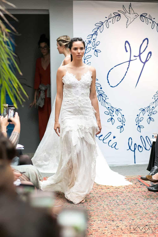 desfile-vestido-de-noiva-entardecer-julia-golldenzon-foto-kyra-mirsky-125