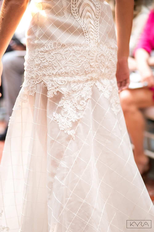 desfile-vestido-de-noiva-entardecer-julia-golldenzon-foto-kyra-mirsky-22
